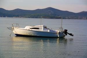 vitorláshajó, kikötve, horgonyozva, vitorlás gyakorlat, Carina